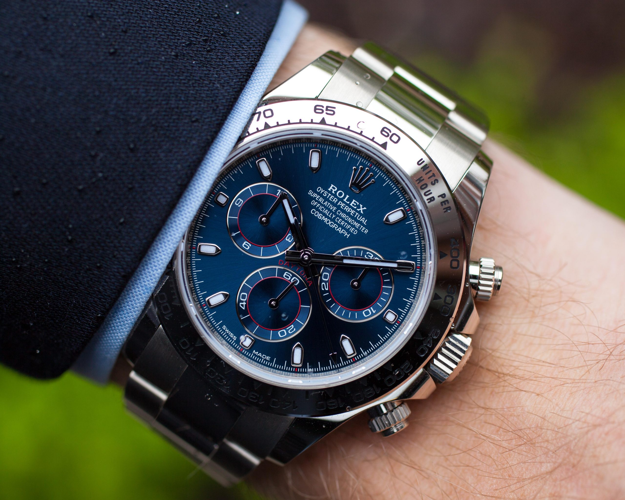 Hydrophilic coatings for watches